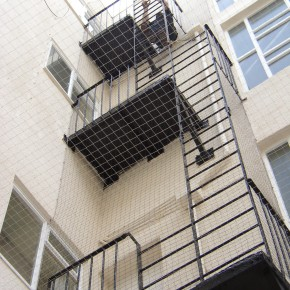 Netting installed on fire escape